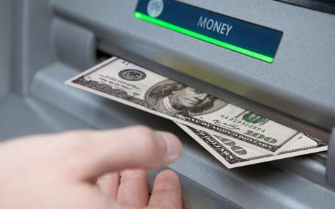 صعوبات العمل الحر في استلام الأموال